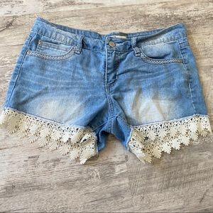 Shorts with Lace trim!